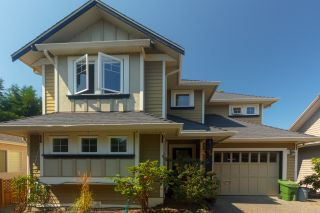 Photo 3: Master on Main in Detached Townhome in Sidney
