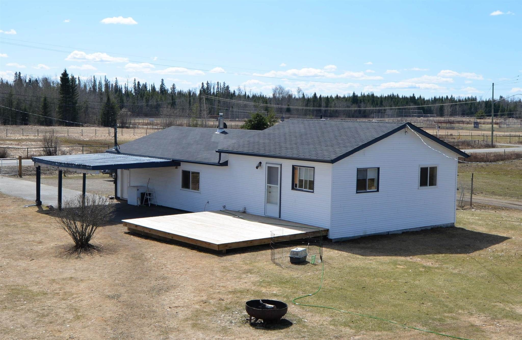 """Main Photo: 6590 BENDIXON Road in Prince George: Pineview House for sale in """"Pineview"""" (PG Rural South (Zone 78))  : MLS®# R2600508"""