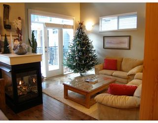 """Photo 2: 17 39758 GOVERNMENT Road in Squamish: Northyards Townhouse for sale in """"ARBOURWOODS"""" : MLS®# V680823"""