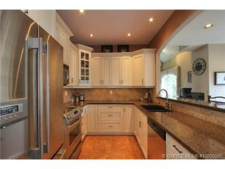 Photo 3: 880 Christina Place in Kelowna: Residential Detached for sale : MLS®# 10056050