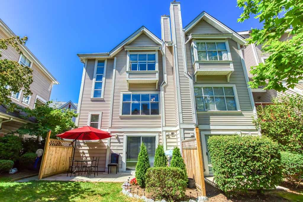 "Main Photo: 104 2450 HAWTHORNE Avenue in Port Coquitlam: Central Pt Coquitlam Townhouse for sale in ""COUNTRY PARK"" : MLS®# R2482802"