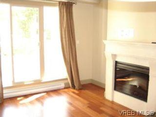 Photo 2: 210 1620 McKenzie Ave in VICTORIA: SE Lambrick Park Condo for sale (Saanich East)  : MLS®# 511152