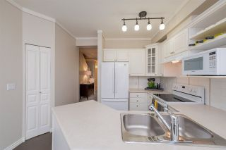 """Photo 10: 47 2678 KING GEORGE Boulevard in Surrey: King George Corridor Townhouse for sale in """"Mirada"""" (South Surrey White Rock)  : MLS®# R2263802"""