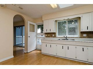 "Photo 5: 15970 N BLUFF Road: White Rock House for sale in ""White Rock"" (South Surrey White Rock)  : MLS®# F1450354"