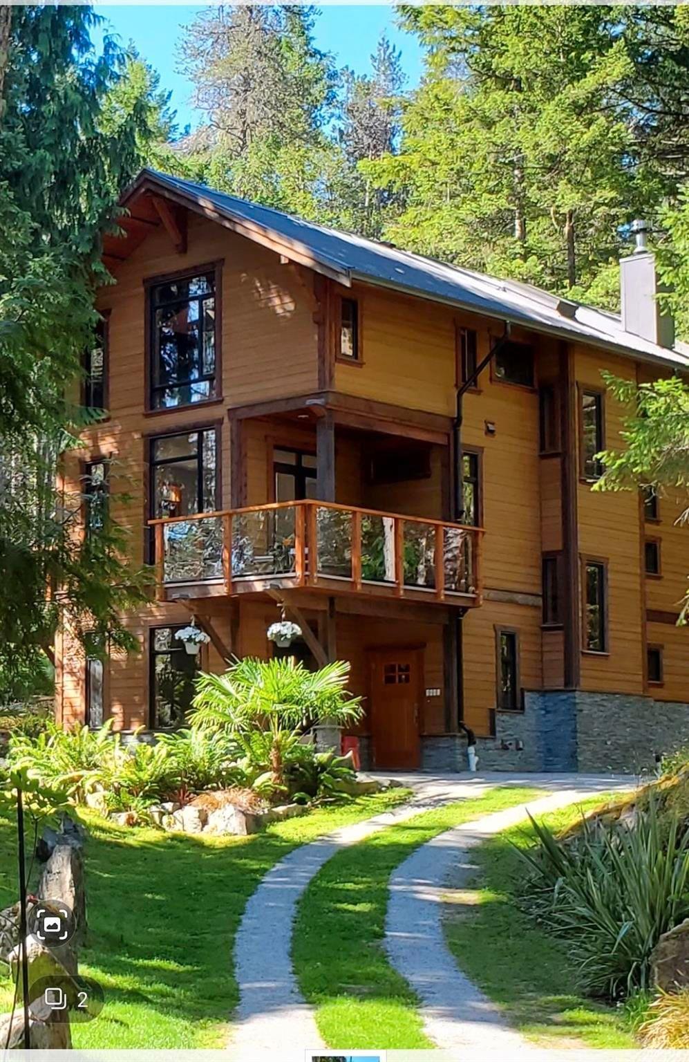 Main Photo: 9841 MCKENZIE Road in Halfmoon Bay: Halfmn Bay Secret Cv Redroofs House for sale (Sunshine Coast)  : MLS®# R2594064