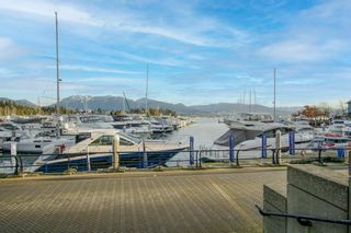 """Photo 3: 1004 499 BROUGHTON Street in Vancouver: Coal Harbour Condo for sale in """"Denia"""" (Vancouver West)  : MLS®# R2544599"""
