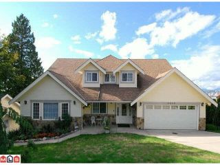 Main Photo: 9650 QUEENS Place in Surrey: Royal Heights House for sale (North Surrey)  : MLS®# R2540063