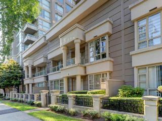 """Photo 1: 2 8297 SABA Road in Richmond: Brighouse Townhouse for sale in """"Rosario Gardens"""" : MLS®# R2486325"""
