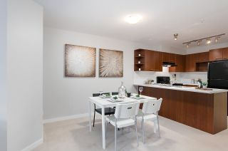 """Photo 4: 314 4799 BRENTWOOD Drive in Burnaby: Brentwood Park Condo for sale in """"BRENTWOOD GATE-THOMSON HOUSE"""" (Burnaby North)  : MLS®# R2322320"""