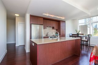 """Photo 5: 304 158 W 13TH Street in North Vancouver: Central Lonsdale Condo for sale in """"Vista Place"""" : MLS®# R2304505"""