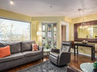 """Photo 4: 202 3673 W 11TH Avenue in Vancouver: Kitsilano Condo for sale in """"ALMA COURT"""" (Vancouver West)  : MLS®# R2068464"""