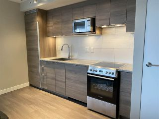 "Photo 5: 1603 488 SW MARINE Drive in Vancouver: Marpole Condo for sale in ""Marine Gateway"" (Vancouver West)  : MLS®# R2517856"