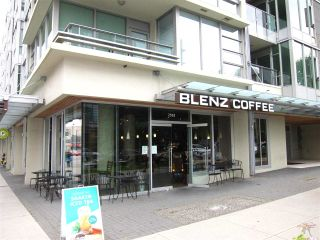 """Photo 3: 402 2528 MAPLE Street in Vancouver: Kitsilano Condo for sale in """"Pulse"""" (Vancouver West)  : MLS®# R2397843"""