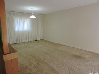 Photo 5: 13 Lincoln Avenue in Yorkton: West YO Residential for sale : MLS®# SK824129