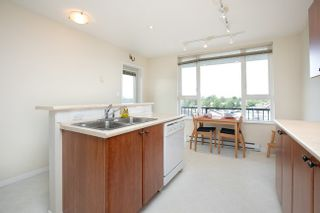 Photo 9: 415 7089 MONT ROYAL SQUARE in Vancouver East: Home for sale : MLS®# R2394689
