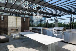 """Photo 16: 1807 188 KEEFER Street in Vancouver: Downtown VE Condo for sale in """"188 Keefer"""" (Vancouver East)  : MLS®# R2453086"""