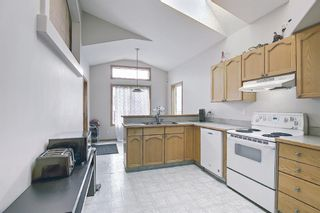Photo 6: 37 Everstone Avenue SW in Calgary: Evergreen Detached for sale : MLS®# A1102221