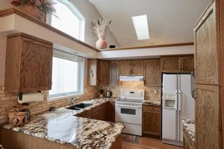 Photo 10: 32 DOUGLASVIEW Park SE in Calgary: Douglasdale/Glen House for sale : MLS®# C4190218