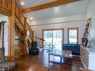 Photo 8: 5581 Seacliff Rd in COURTENAY: CV Courtenay North House for sale (Comox Valley)  : MLS®# 837166