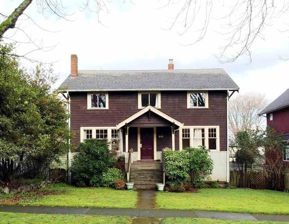 "Main Photo: 3535 W 19TH Avenue in Vancouver: Dunbar House for sale in ""DUNBAR"" (Vancouver West)  : MLS®# R2036245"