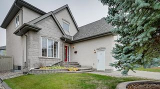 Photo 2: 227 LINDSAY Crescent in Edmonton: Zone 14 House for sale : MLS®# E4265520