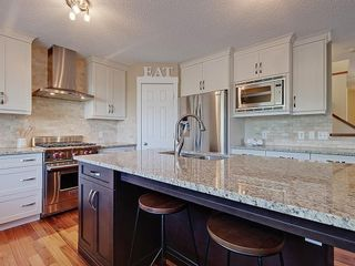 Photo 7: 54 BRIDLEPOST Green SW in Calgary: Bridlewood Detached for sale : MLS®# C4258811