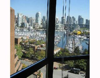 "Photo 4: 1003 1450 PENNYFARTHING Drive in Vancouver: False Creek Condo for sale in ""HARBOUR COVE"" (Vancouver West)  : MLS®# V732642"
