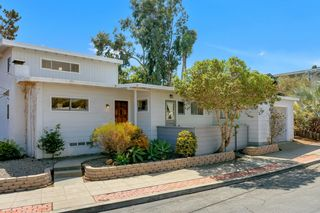Photo 2: MISSION HILLS House for sale : 3 bedrooms : 3867 Pringle Street in San Diego