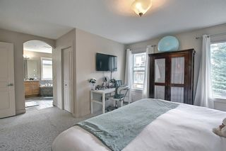 Photo 13: 34 Crestmont Drive SW in Calgary: Crestmont Detached for sale : MLS®# A1119055