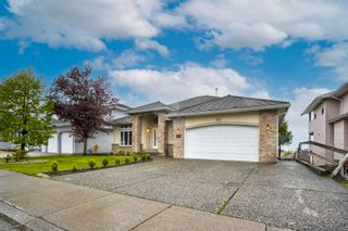 """Photo 4: 3543 SUMMIT Drive in Abbotsford: Abbotsford West House for sale in """"NORTH-WEST ABBOTSFORD"""" : MLS®# R2609252"""