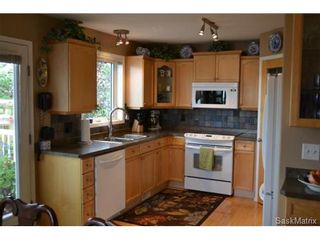 Photo 3: 1502 Kenderdine Road in Saskatoon: Arbor Creek Single Family Dwelling for sale (Saskatoon Area 01)  : MLS®# 511015