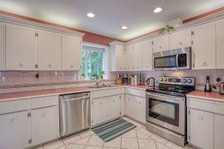 "Photo 6: 8677 147 Street in Surrey: Bear Creek Green Timbers House for sale in ""BEAR CREEK/GREENTIMBERS"" : MLS®# R2393262"