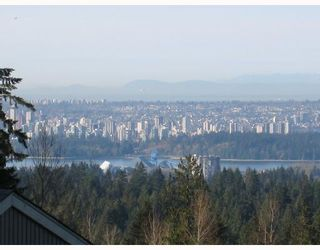 """Photo 10: 5650 EAGLE Court in North_Vancouver: Grouse Woods House for sale in """"EAGLE NEST"""" (North Vancouver)  : MLS®# V704250"""
