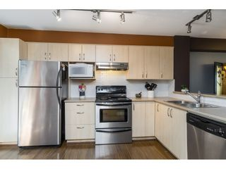 """Photo 5: 73 15155 62A Avenue in Surrey: Sullivan Station Townhouse for sale in """"Oaklands"""" : MLS®# R2394046"""