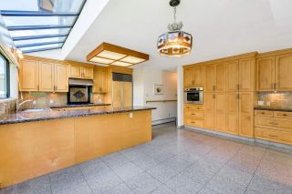 """Photo 8: 4492 NW MARINE Drive in Vancouver: Point Grey House for sale in """"Point Grey"""" (Vancouver West)  : MLS®# R2463689"""