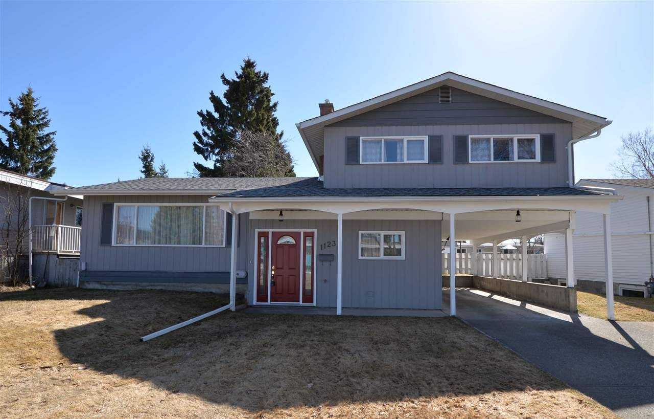 """Main Photo: 1123 CHILAKO Avenue in Prince George: Lakewood House for sale in """"Lakewood"""" (PG City West (Zone 71))  : MLS®# R2564957"""