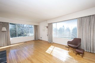 Photo 4: 2915 JONES Avenue in North Vancouver: Upper Lonsdale House for sale : MLS®# R2351177