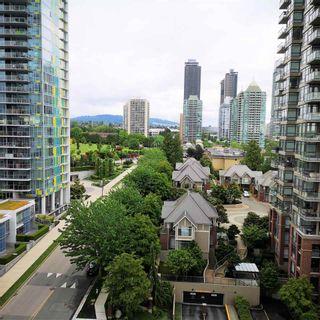 """Photo 11: 1101 1888 GILMORE Avenue in Burnaby: Brentwood Park Condo for sale in """"TRIOMPHE"""" (Burnaby North)  : MLS®# R2458455"""