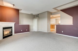 Photo 3: 97 Country Hills Gardens NW in Calgary: Country Hills Row/Townhouse for sale : MLS®# A1149048