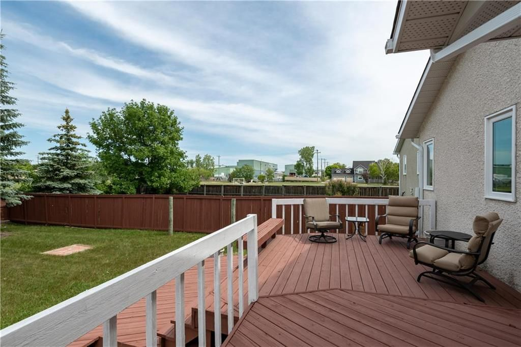 Photo 26: Photos: 1115 Waterford Avenue in Winnipeg: West Fort Garry Residential for sale (1Jw)  : MLS®# 202116113