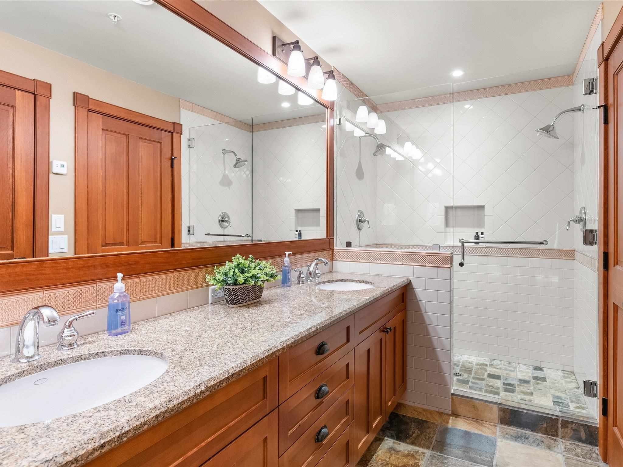 Photo 17: Photos: 4 2500 TALUSWOOD PLACE in Whistler: Nordic Townhouse for sale : MLS®# R2593995