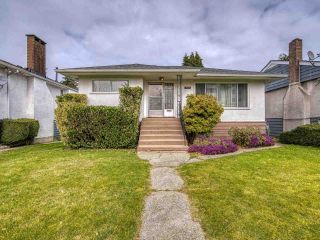 Photo 1: 3041 E 54TH Avenue in Vancouver: Killarney VE House for sale (Vancouver East)  : MLS®# R2548392
