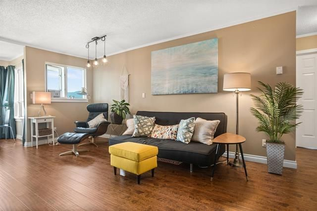 Main Photo: 906 1833 Frances Street in Vancouver: Hastings Condo for sale (Vancouver East)  : MLS®# R2595200