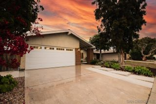 Photo 2: MIRA MESA House for sale : 4 bedrooms : 8220 Calle Nueva in San Diego