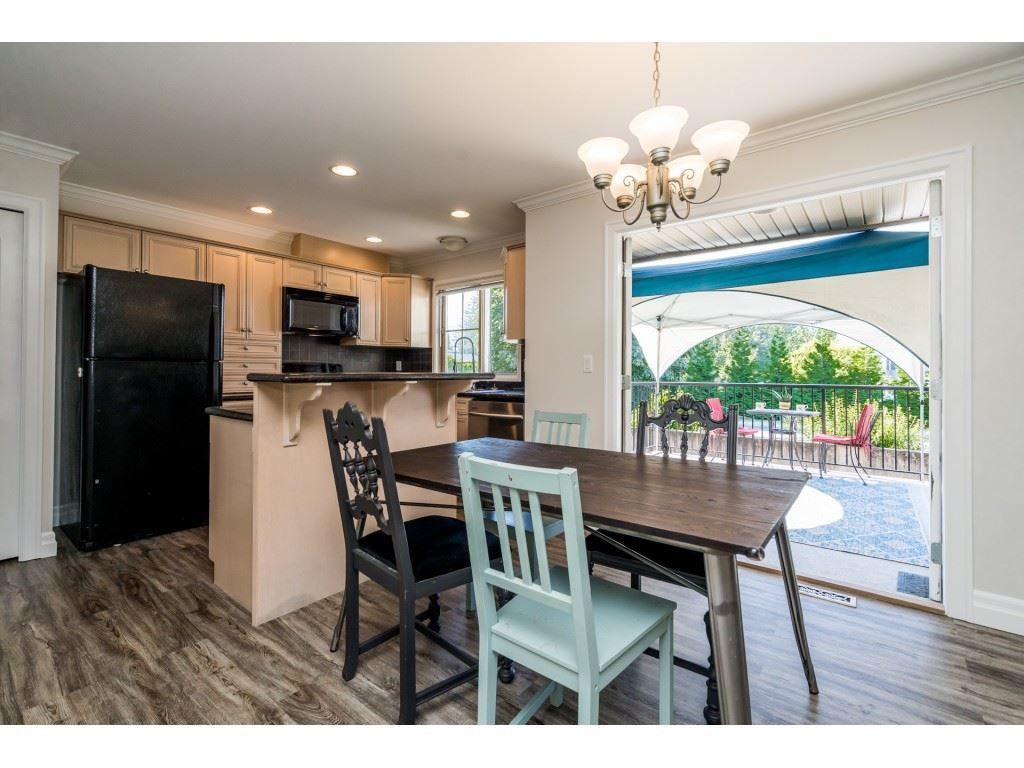 """Photo 5: Photos: 27 6450 BLACKWOOD Lane in Chilliwack: Sardis West Vedder Rd Townhouse for sale in """"The Maples"""" (Sardis)  : MLS®# R2480574"""