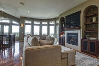 Photo 7: 251 Slopeview Drive SW in Calgary: Springbank Hill Detached for sale : MLS®# A1132385