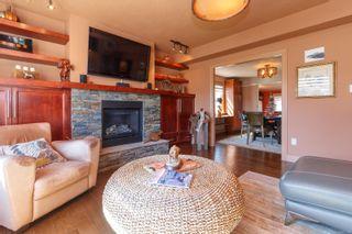 Photo 6: 2060 Townley St in : OB Henderson House for sale (Oak Bay)  : MLS®# 873106