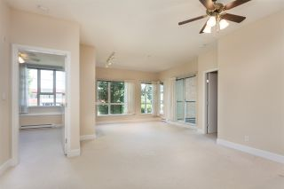 """Photo 4: 211 6198 ASH Street in Vancouver: Oakridge VW Condo for sale in """"THE GROVE"""" (Vancouver West)  : MLS®# R2193582"""