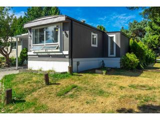 """Photo 4: 71 7790 KING GEORGE Boulevard in Surrey: East Newton Manufactured Home for sale in """"CRISPEN BAY"""" : MLS®# R2615871"""