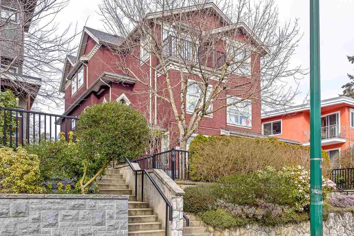 Main Photo: 45 E 13TH Avenue in Vancouver: Mount Pleasant VE Townhouse for sale (Vancouver East)  : MLS®# R2552943